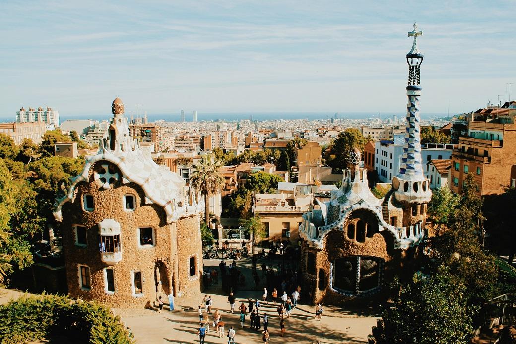 park-guell-barcelona-spain-antonio-gaudi-arcitecture-16